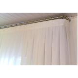 cortina com argolas no Campo Belo